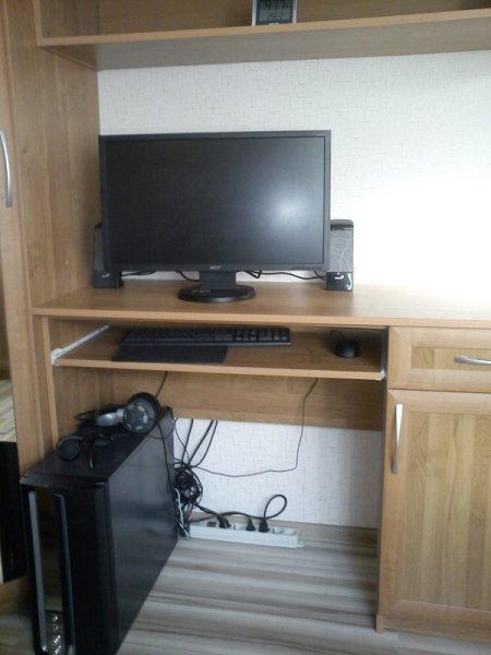 стол компьютерныйв спальню