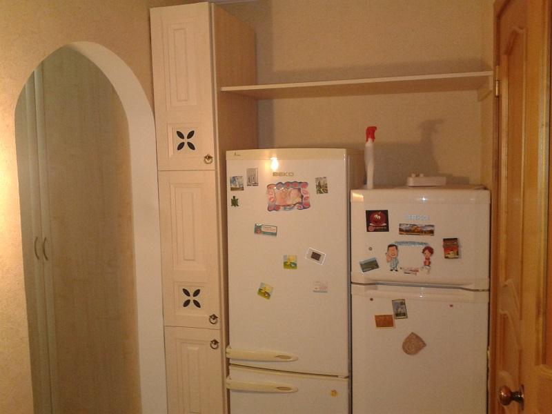 завершение кухни, ну не поместились холодильники на кухню