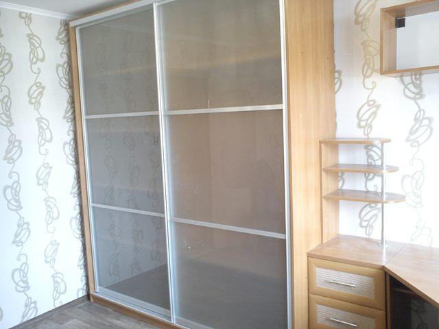шкаф-купе 2х дверный, стекло матовое