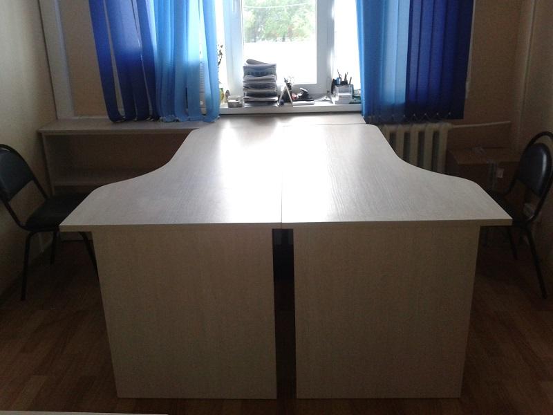 стол угловой в офис